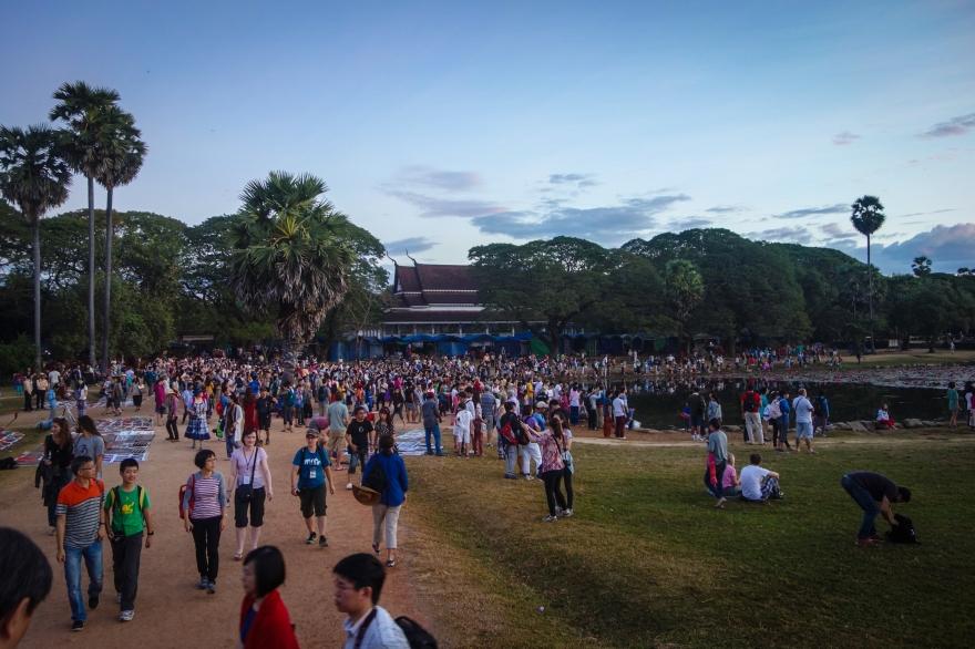 20141225-crowd.jpg